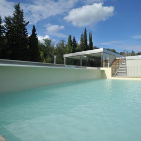 outdoor pool of Petriolo spa
