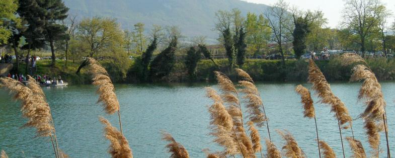 vista del lago di Telese Terme