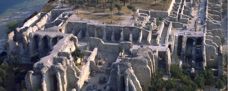panoramica delle Grotte di Catullo